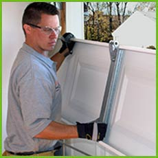 Garage Door Shop Repairs Casselberry, FL 407-385-0190